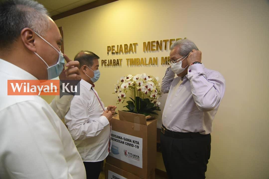 Titijaya Land serah 10,000 topeng muka kepada KWP